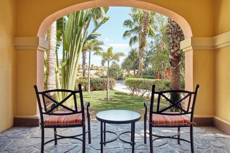 sjdsi-deluxe-garden-guestroom-6683-hor-clsc